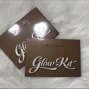 Anastasia Beverly Hills Glow kit  Brand new